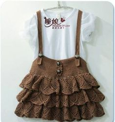 Crochet gardener - step by step free - Crochet/Knitting Crochet Baby Jacket, Crochet Baby Clothes, Crochet Motif Patterns, Baby Knitting Patterns, Knitting For Kids, Crochet For Kids, Crochet Children, Crochet Crafts, Knit Crochet