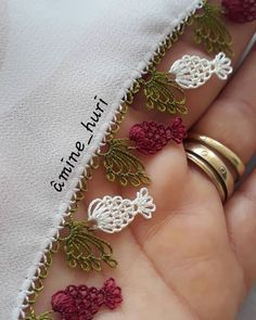 65 Easy Bag Knitting Models You Will Do in a Short Time Baby Knitting Patterns, Crochet Blanket Patterns, Saree Tassels, Tatting Lace, Simple Bags, Easy Bag, Hand Embroidery Stitches, Lace Making, Knit Fashion