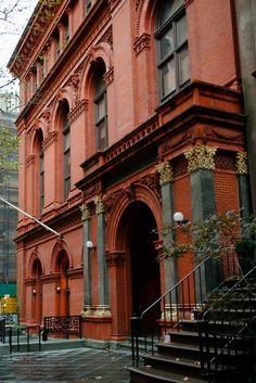 128 Pierrepont Street, main entrance