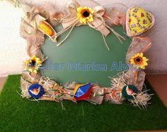 Festa Junina - Lousa Bem-vindo Girassol Country Farm, Diy And Crafts, Floral Wreath, Lily, Christmas Ornaments, Halloween, Holiday Decor, Party, Victor Hugo