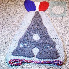 When a customer order becomes a crochet challenge! #Paris themed #crochetmermaidtailblanket  by kidsincrochet