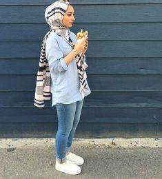 รูปภาพ blue, hijab, and style Islamic Fashion, Muslim Fashion, Modest Fashion, Fashion Outfits, Fashion Fashion, Hijab Casual, Hijab Chic, Hijab Outfit, Women's Casual