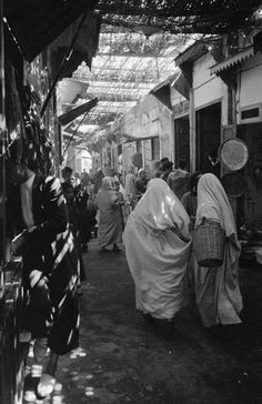 Photograph by Nat Farbman. Morocco, May 1951.