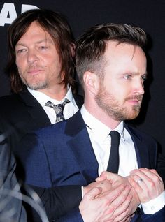 Pin for Later: 26 Times Norman Reedus Proved He Was Surprisingly Adorable When He Held Onto Aaron Paul For Dear Life Movie Club, Movie Tv, Breaking Bad Cast, Breakin Bad, Beach Photography Poses, Jesse Pinkman, Aaron Paul, Janis Joplin, Daryl Dixon