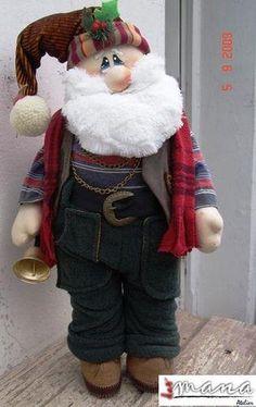 for Carolyn to make.Christmas - Sparkles 'n' Spirit Christmas Sewing, Christmas Fabric, Christmas Items, Christmas Projects, Merry Christmas, Santa And Reindeer, Santa Baby, Santa Doll, Christmas Decorations