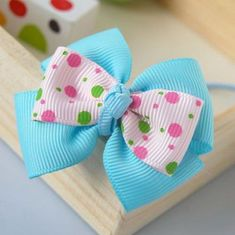 hair bows Here we will share with you some lovely 85 DIY Bow Ideas - Bow Craft Tutorials that you can do at your home and decorate your stuff with it. The first project that we have here is Ribbon Hair Bows, Diy Hair Bows, Diy Bow, Bow Hair Clips, Ribbon Flower, Hair Bow Tutorial, Flower Tutorial, Barrettes, Hairbows