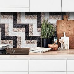 Photo gallery with projects in Terrazzo: wall and floor tiles, tables and worktops Terrazzo Tile, Mosaic Tiles, Interior Exterior, Exterior Design, Types Of Concrete, Cafe Shop, Wall Installation, Decorative Tile, Decoration