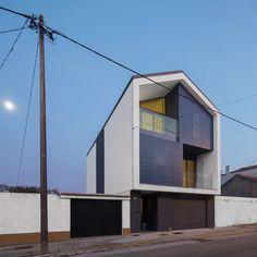 Casa na Bela Vista / RVdM Arquitectos