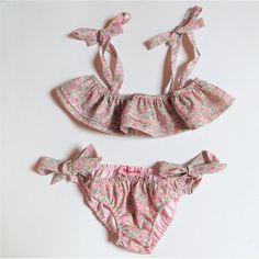 2cb854a150 Maillot de bain complet deux pièces enfant fille Liberty® of London