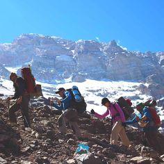 Por maior que seja a dificuldade não desista dos seus sonhos!  Aconcágua 2017 com Maximo Kausch! Data 1  13/01/2017 a 29/01/2017 Data 2  03/02/2017 a 19/02/2017  Imagens Ashok Kipatri. #AltaMontanha #GentedeMontanha #ProntoParaAventura #Alpinism #montanhismo #montaña #mountain #Argentina #Andes #SpotBr #Spot #Garmin #deuter #Aconcágua