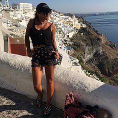 spiero_shopΗ @dristela με S.Piero slide slippes στην Σαντορίνη ☀️ #spiero #spieroshoes #newcollection #ss17 #online #shopping #slideslippers #slippers