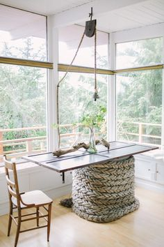 Decor Ideas for Old Doors Ways to Repurpose a Door for Coastal Living - Coastal Decor Ideas Interior Design DIY Shopping Door Table, A Table, Table Legs, Dining Table, Dining Area, Rope Crafts, Decor Crafts, Coastal Living, Coastal Decor