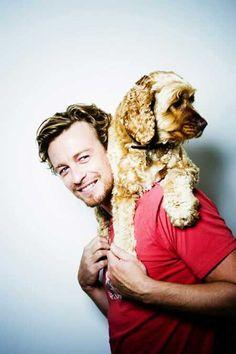 Simon Baker and Doggie