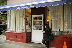 Magnolia Bakery - A Path to Somewhere
