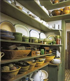 pantry shelving Ideas from every era for old-house kitchen shelving. Antique Kitchen Decor, Victorian Kitchen, Wooden Kitchen, Victorian Homes, Vintage Kitchen, Primitive Kitchen, Country Kitchen, Country Life, Pantry Laundry Room