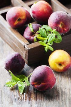 Fresh sweet peaches with mint by Oxana Denezhkina on 500px