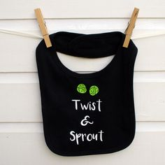 A playful christmas bib, hand printed and finished to a high quality. #sproutbib #christmasbaby