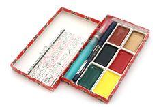 Kuretake Little Red Gift Set - 6 Watercolor Palettes + Super Fine Hard Brush + Waterbrush Pen