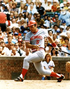 Johnny Bench hits his home run, setting an all-time Reds mark Mlb Nationals, Cubs Team, Johnny Bench, Tennessee Football, Pete Rose, Better Baseball, Fenway Park, National League, Cincinnati Reds