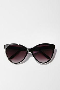 I need these cat eye sunglasses. Thanks.