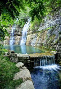 Dogwood Canyon Nature Park in Missouri