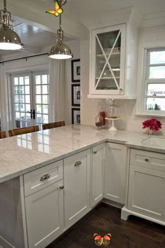 childbifunow The 12 Best Small Kitchen Remodel Ideas, Design & Photos -  Browse photos of Small kitchen designs. Discover inspiration for your Small kitchen remodel or upgr - #ArtLessons #Design #FamousArtists #ideas #InteriorDesign #kitchen #photos #remodel #small<br>