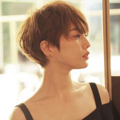 New hair short bob coupes courtes Ideas Short Hairstyles For Women, Hairstyles Haircuts, Wedge Hairstyles, Girl Short Hair, Short Hair Cuts, Pixie-cut Lang, Medium Hair Styles, Curly Hair Styles, Japanese Short Hair