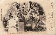 GREECE CRETE FAMILLE PAYSANNE / /Farming Family / COTTON, KNITTING postcard | eBay - 1901? Crete Island, Simple Photo, Crete Greece, Human Soul, Old Maps, Local History, The Locals, Vintage Photos, The Past