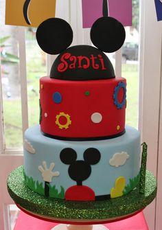 Mickey House Cake ! Pastel Mickey, Mickey And Minnie Cake, Bolo Mickey, Mickey Mouse Birthday Cake, Fiesta Mickey Mouse, Mickey Mouse Parties, Disney Mickey, House Cake, Disney Cakes