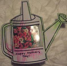 Zelfgemaakte gieter met zaadjes, Leuk cadeautje om de kinderen op een verjaardag zelf te laten geven.