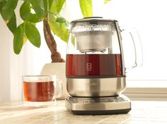 Take out the guesswork and simplify your brew with the Breville One-Touch Tea Maker.