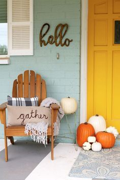 "fall porch ideas + printable Bright and cheery EASY fall porch decorating tips! Plus FREE fall printable ""Gather with a Grateful Heart""Bright and cheery EASY fall porch decorating tips! Plus FREE fall printable ""Gather with a Grateful Heart"" Farmhouse Front Porches, Rustic Farmhouse, Decoration Entree, Seasonal Decor, Holiday Decor, Autumn Decorations, Fall Porch Decorations, Garden Decorations, Front Door Decor"