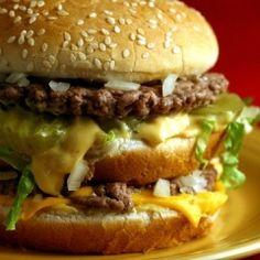 So shoot me- i do like Big Mac sauce and i will make it low carb! :) DIY: McDonald's Big Mac Copycat Recipe= good to have the sauce for cookout nights Burger Recipes, Beef Recipes, Cooking Recipes, Fastfood Recipes, Mcdonalds Recipes, Protein Recipes, Beste Burger, Mac Recipe, Gastronomia