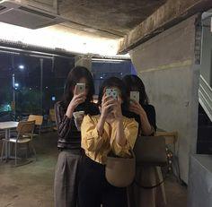 ʚ pin - lloverrose ɞ Korean Couple, Korean Girl, Asian Girl, Ulzzang Couple, Ulzzang Girl, Bff Goals, Friend Goals, Korean Best Friends, Ulzzang Korea