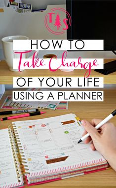 Using a Planner to Take Charge of your Life - Organize your goals & to-dos, then sit back and relax!us I love using planners and calendars to stay organized and management my schedule effectively. To Do Planner, Week Planner, Planner Tips, Planner Pages, Student Planner, Happy Planner, Arc Planner, Organized Planner, Planner Online