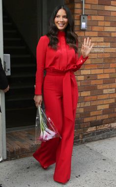 Olivia Munn from The Big Picture: Today's Hot Photos Bold in red! The actress waves to fans in an all red ensemble while out in New York City. Celebrity Red Carpet, Celebrity Style, Celebrity Guys, Fashion Pants, Fashion Outfits, Fashion Ideas, Dramatic Classic, Soft Classic, Z Cam