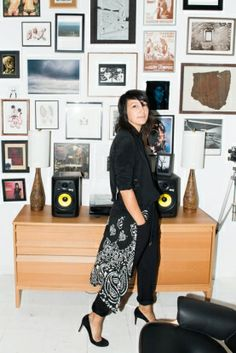 KEMAL HARRIS STYLIST, KEMAL & KARLA; BASSIST, MATTE BLACK. NEW YORK***** matte black picture frames w/ glitter!!