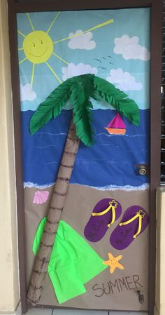 classroom decor Since it is summer season here are the best Summer Bulletin Board decor & Classroom Door Decor ideas for the season in These summer decor are so fun. Summer Door Decorations, School Decorations, Classroom Door, Classroom Themes, Summer Bulletin Boards, School Doors, Summer Crafts For Kids, Ocean Themes, Preschool Crafts