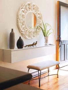 Modern Doorway Furniture - You can get qualified results with modern entrance furniture. Doorway furniture designs offer a wid - Upcycled Home Decor, Diy Home Decor, Room Decor, Modern Entrance, House Entrance, Entryway Decor, Entryway Tables, Dining Table Makeover, Decoration Photo