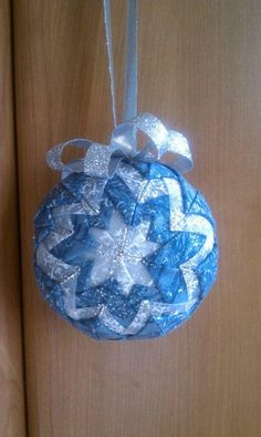 """Quilted"" Christmas Ornament... we made these in third grade with ms. ferris. :-)"