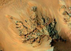 Confirmado: hay agua líquida en Marte Aquí te contamos todos los detalles y las posibles implicaciones de este descubrimiento