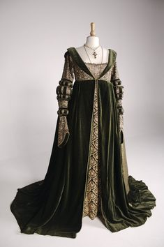 """Angelica Huston's costume as the Baroness Rodmilla De Ghent in """"Ever After"""" (1998), 16th Century costume design by Jenny Beavan."""
