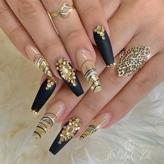 To give you inspiration for nail art in this winter, we have specially collected 76 images of black coffin nail designs, I hope you can find a satisfactory style from them. Dope Nails, Bling Nails, Swag Nails, Fun Nails, Sparkle Nails, Winter Nail Designs, Cool Nail Designs, Acrylic Nail Designs, Classy Nails