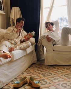 True Love Stories, Love Story, Venetian, Slippers, Couple Photos, Couples, Couple Shots, Slipper, Couple Photography