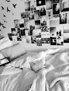 Cute and cozy college dorm room. Love the pictures on the wall! Gonna do this for my room soon. Tumblr Bedroom, Tumblr Rooms, Bedroom Quotes, My New Room, My Room, Photowall Ideas, Deco Cool, Cute Room Ideas, Creation Deco