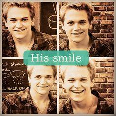 His smile is sooooooo PERFECT!!!!!!