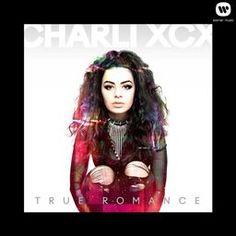 Charli XCX est une jeune chanteuse anglaise de 20 ans. Alliant influences gothiques et pop des années 1990, elle s'est fait connaître entre autre pour son featuring sur le tube I Love It d'Icona Pop. Après plusieurs EP et Mixtapes, elle sort son premier album True Romance !