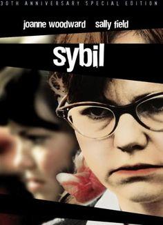 Sybil.Excelente película sobre un caso real de múltiples personalidades..¡Gran actuación de Sally Field !