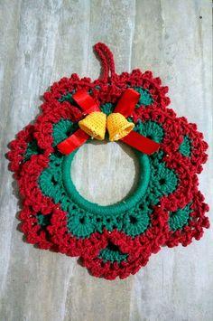 Diy Christmas Angel Ornaments, Crochet Christmas Wreath, Crochet Wreath, Crochet Christmas Decorations, Crochet Ornaments, Christmas Crochet Patterns, Holiday Crochet, Christmas Crafts, Crochet Butterfly Pattern