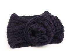 Cuello de lana para niña con flor de ganchillo | costurea.es/blog/